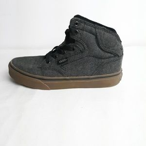 Vans Youth Boy Atwood High Black Gum Bottom Sz 2
